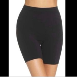 NIB SPANX Power Short Black Medium